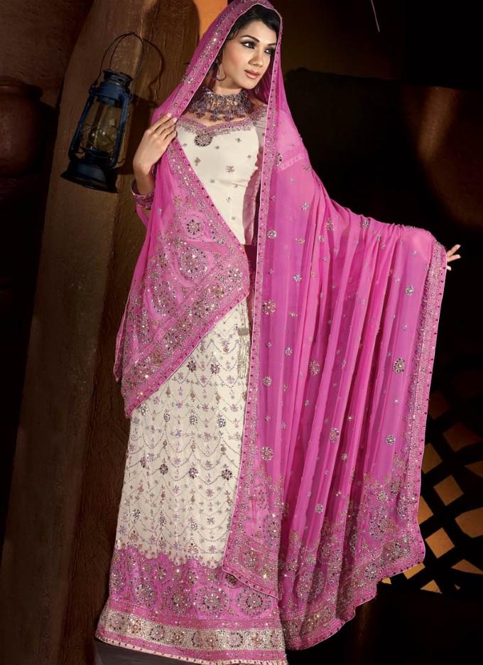http://delbaraneh.com/wp-content/uploads/2016/06/Islamic-Wedding-Dress.jpg