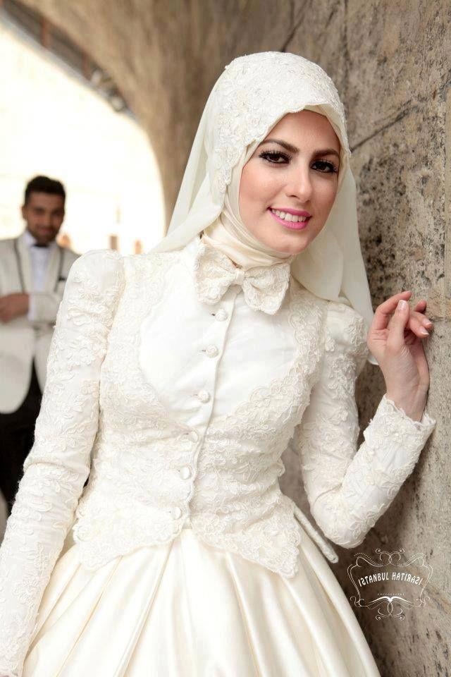 http://delbaraneh.com/wp-content/uploads/2016/06/modern-hijab-wedding-dress-12.jpg