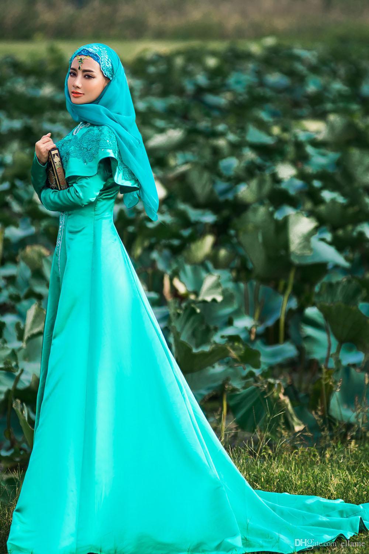 http://delbaraneh.com/wp-content/uploads/2016/06/real-photo-2015-gorgeous-muslim-wedding-dress.jpg