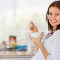 غذاهای مقوی مناسب برای دوران بارداری