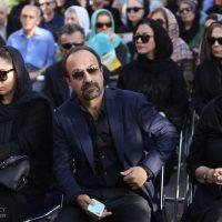 تیپ اصغر فرهادی در مراسم تشییع عباس کیارستمی+عکس