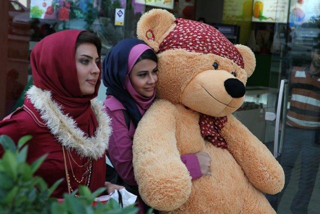 سولماز آقمقانی و یاسمینا باهر(فیلم سینمایی بدون اجازه)