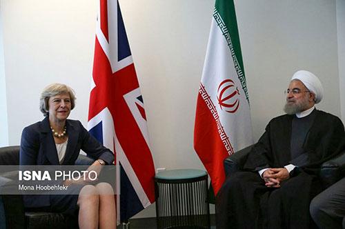 پوشش برهنه نخست وزیر انگلیس در دیدار با روحانی+عکس