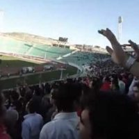 ماجرای شعار نژاد پرستانه مرگ بر فارس در ورزشگاه تراکتور سازی