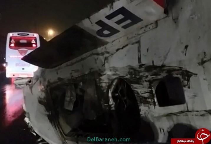 فیلم سقوط هواپیما از روی یک تریلی در زیر پل حصارک کرج+علت