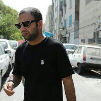 تیپ صابر ابر با لباس مشکی در جشنواره فیلم فجر ۹۵