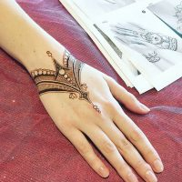 طرح حنا روی مچ دست | ۳۵ مدل نقش حنای شیک و ساده روی مچ دست