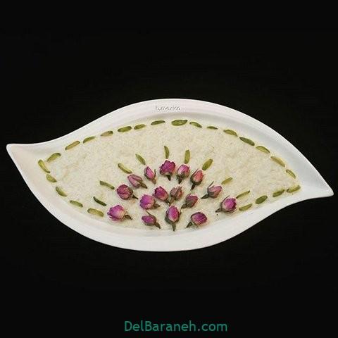 تزیین شیر برنج با گل محمدی