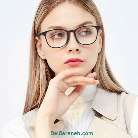 مدل عینک طبی دخترانهبا فریم مشکی