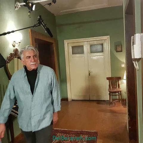 رضا کیانیان در پشت صحنه سریال بوی باران