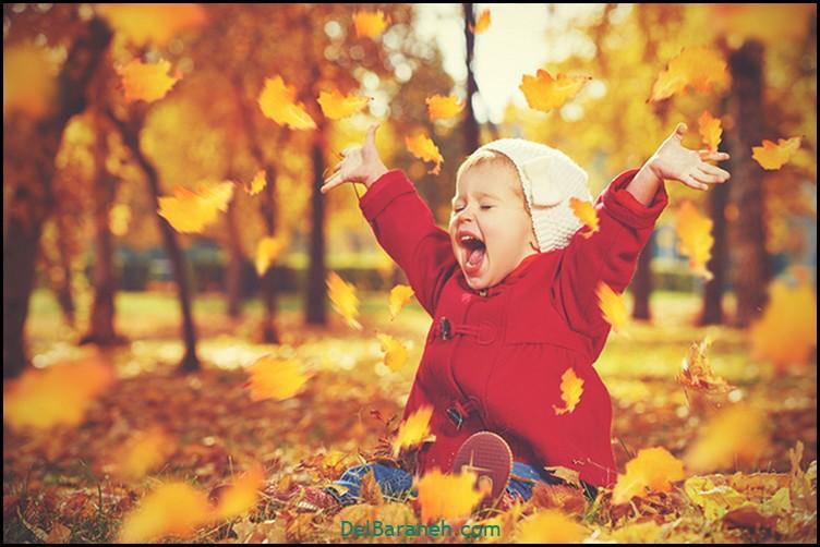 عکس دختر بچه در پاییز
