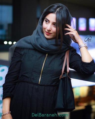 مدل مانتو آناهیتا افشار در جشنواره فیلم فجر 98