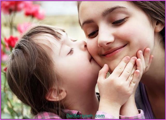 تعبیر خواب بوسه و بوسیدن کودک
